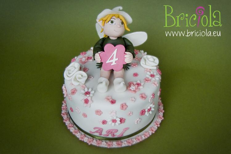 immagine torta fata e fiori