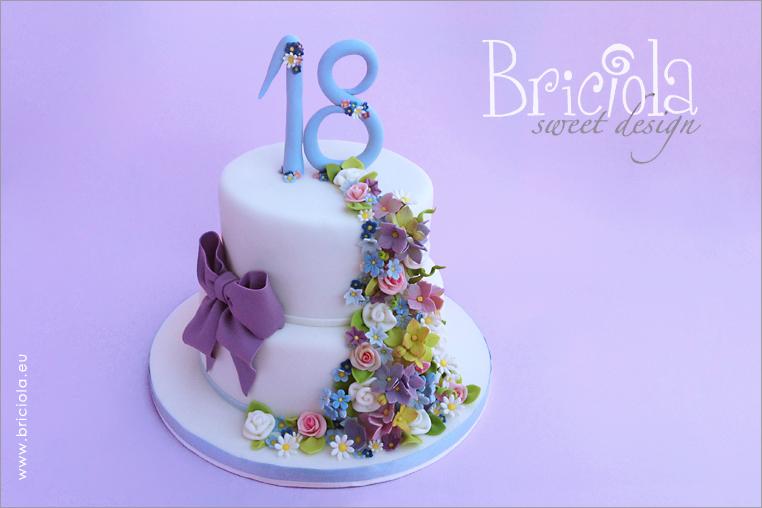 torta diciottesimo compleanno - cascata fiorellini