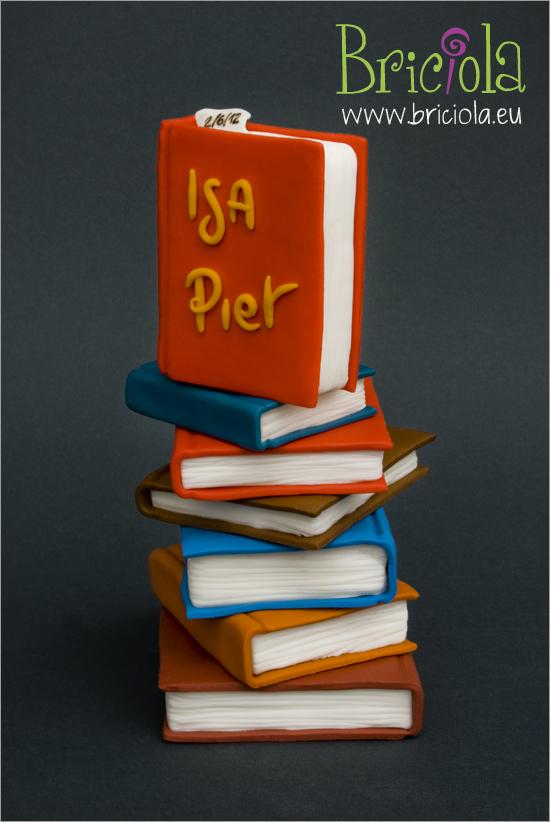 topper matrimonio - pila di libri Isa e Pier